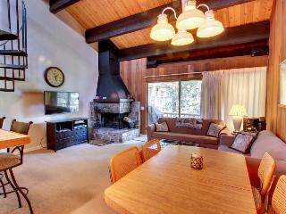 Centrally located close to the lake and skiing!, Kings Beach
