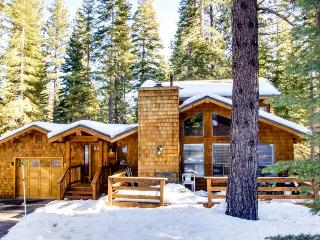 Beaver Pond Northstar Luxury Chalet with Hot Tub, Truckee