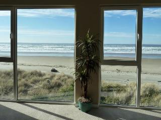 Pretty views of Pacific from pet-friendly, oceanside home, Rockaway Beach