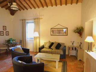 Super Self-Catering Apartment in Tuscany, San Gimignano