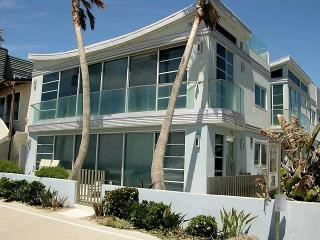Mission Beach Newer Unit! -- Amazing Ocean Views, San Diego