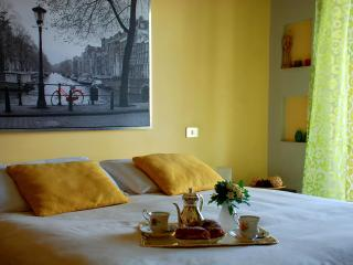 Cozy studio with terrace and seaview centre wifi, Naples