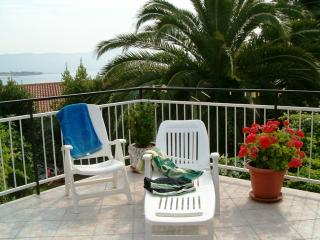 Little private apartment near the sea / TROGIR, Trogir