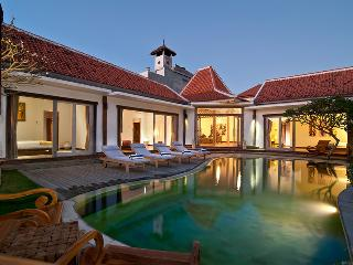 AMAZING VALUE, 5* Luxury, Great Location, Seminyak - Seminyak vacation rentals