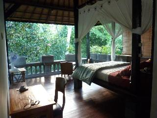 Honey Tree Villa- Life is sweet!, Kedewatan