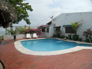 CORNER OF PARADISE  Beachfront   Villa, Cartagena