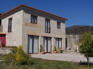 Casa da Luz - Between Braga and Peneda Geres National Park - Amares vacation rentals