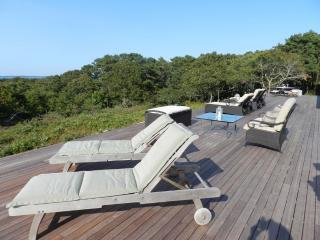 #100024 Sweeping views of the North Shore, West Tisbury