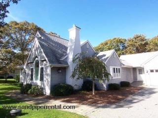 #191 Tastefully decorated w/ a deck for outdoor dining, Edgartown