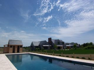 #10004 5000+square foot Martha's Vineyard estate, West Tisbury
