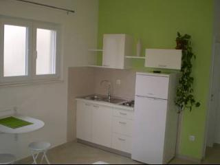 8015 SA2(2+1) Zeleni - Biograd - Northern Dalmatia vacation rentals