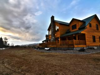 Cabin w/ Everything you'd ever need!, Swan Valley