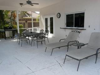 Two-story, waterfront house w/ heated pool & short walk to Resident's Beach, Marco Island