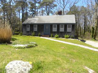4 bedroom 2 bath less than 1 mile  from breakwater beach, Brewster