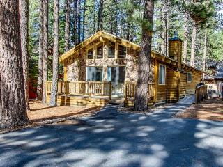 Updated log cabin in the woods!, South Lake Tahoe