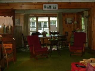 Blodgett's Landing - Lake Sunapee Quaint Cottage, Newbury
