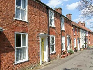 VALENTINE COTTAGE romantic retreat, town centre, woodburning stove in Aylsham Ref 20132