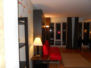 Trendy Studio in the Heart of Down-town Toronto