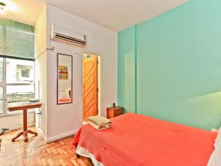 RioBeachRentals - Ipanema 1 Bedroom near the Beach - Copacabana vacation rentals