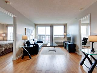 SPACIOUS AND SUNNY 2 BEDROOMS CONDO, Montreal
