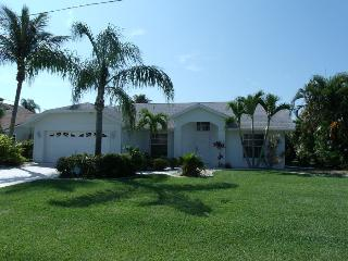 Villa Blue Sky Cape Coral 3/2 Pool Waterfront