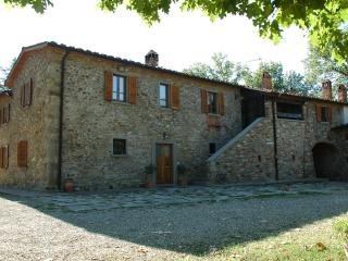 Caminetto - Farmhouse with a Pool, Air Conditioning, and Playground, Arezzo