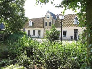 Cosy B&B in de Centre of Grou in a 400 year old building