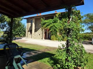 BRUFA apartment with pool at I MORI GELSI, Assisi, Torgiano