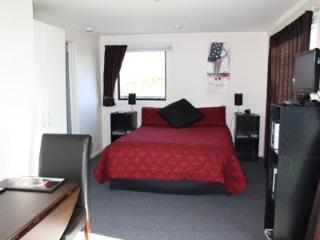 St Andrews Studio - just 1km from Havelock North, Hastings