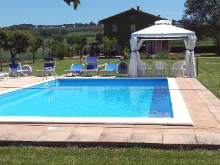 apartment for 6 -8 guests in farmhouse near to Perugia - Perugia vacation rentals