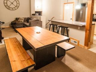 Cozy Tahoe Donner Townhome, Truckee