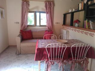10 km from the sea in an oasis of peace with pool, Montescudaio
