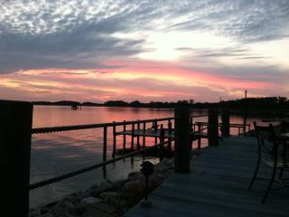 Retreat at a quiet, water front cottage, Chestertown