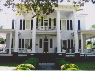 Elegant Bed and Breakfast in Southern Georgia, Moultrie