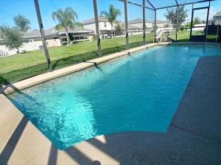 Serenity Villa (Serenity523s-NTO4)-Large Two Story Villa Close To Everything!, Davenport