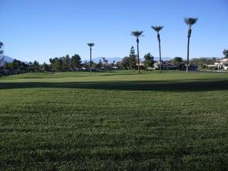 Fabulous Updated Golf Course Desert Resort Condo, Palm Desert
