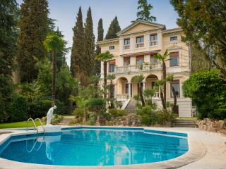 Villa Vittoria Luxury Accommodation, Gardone Riviera