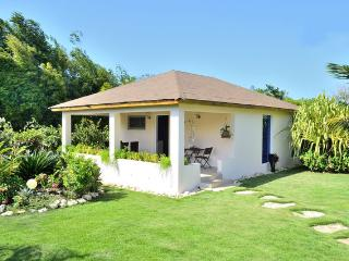 New build Bungalow with big terrace, dreaming and relax, Sosua