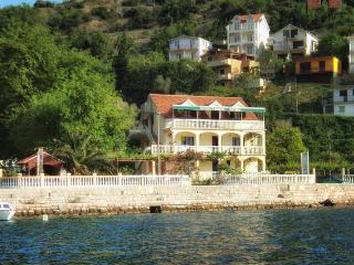 Stevovic apartments - 3/beds apartment, Tivat