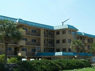 2 BR-2BA Oceanfront condo- 7th night free, Fernandina Beach