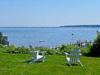 WEST CHOP WATERFRONT COLONIAL WITH PRIVATE BEACH ACCESS - VH PJEW-55, Vineyard Haven