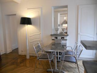 Lovely  And New Decorated Apartment On Montmartre Hill Paris