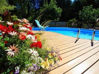 Rosemarie's Guest House B&B: Pool View Room, Sechelt