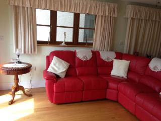 Luxury Bluebell suite,  with wheelchair access., Truro