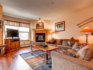 Perfectly Located Breckenridge 4 Bedroom Ski-in - E323L