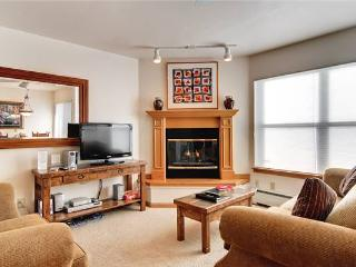 Inviting Breckenridge 2 Bedroom Ski-in - RW316