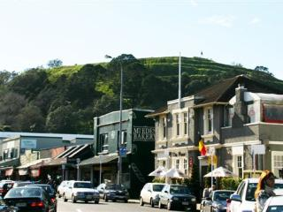 Eden Villa Luxury B & B in an Inner City Suburb, Auckland Region