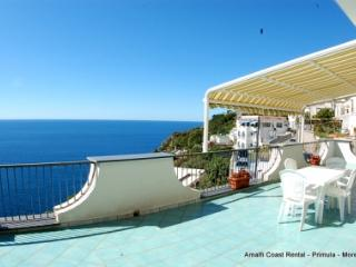 Moressa sunny apartment in Praiano, large terrace