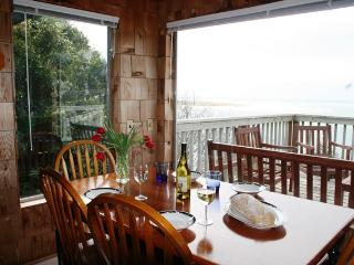 Spectacular Views of the Pacific Ocean at the Blue Rose Cottage, Netarts
