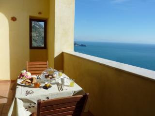 Stylish apartment with open sea view on the Amalfi Coast, Praiano
